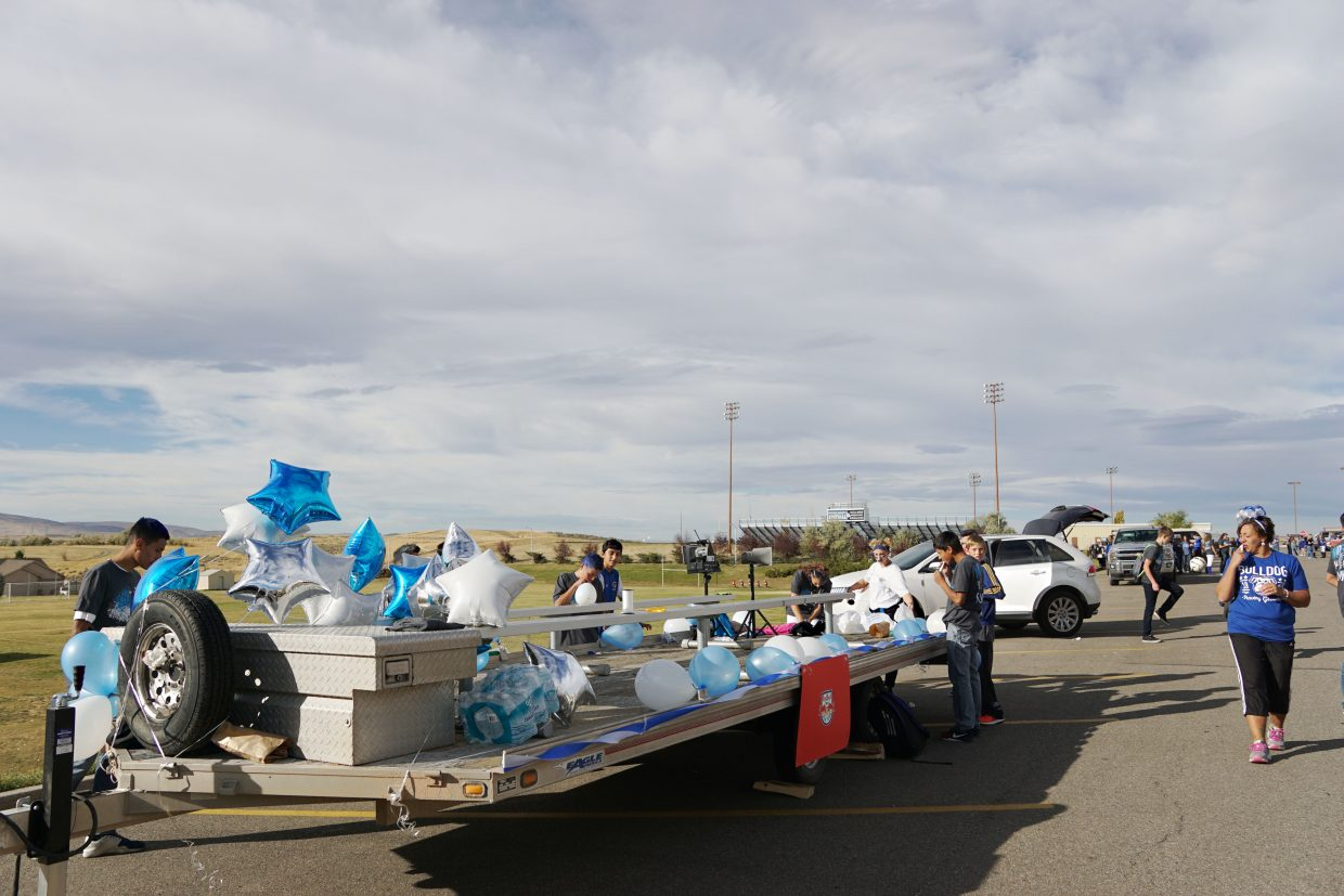 The New York Red Bulls Soccer Team was the inspiration behind the 2016 Homecoming float made by the Moffat County High School soccer team.
