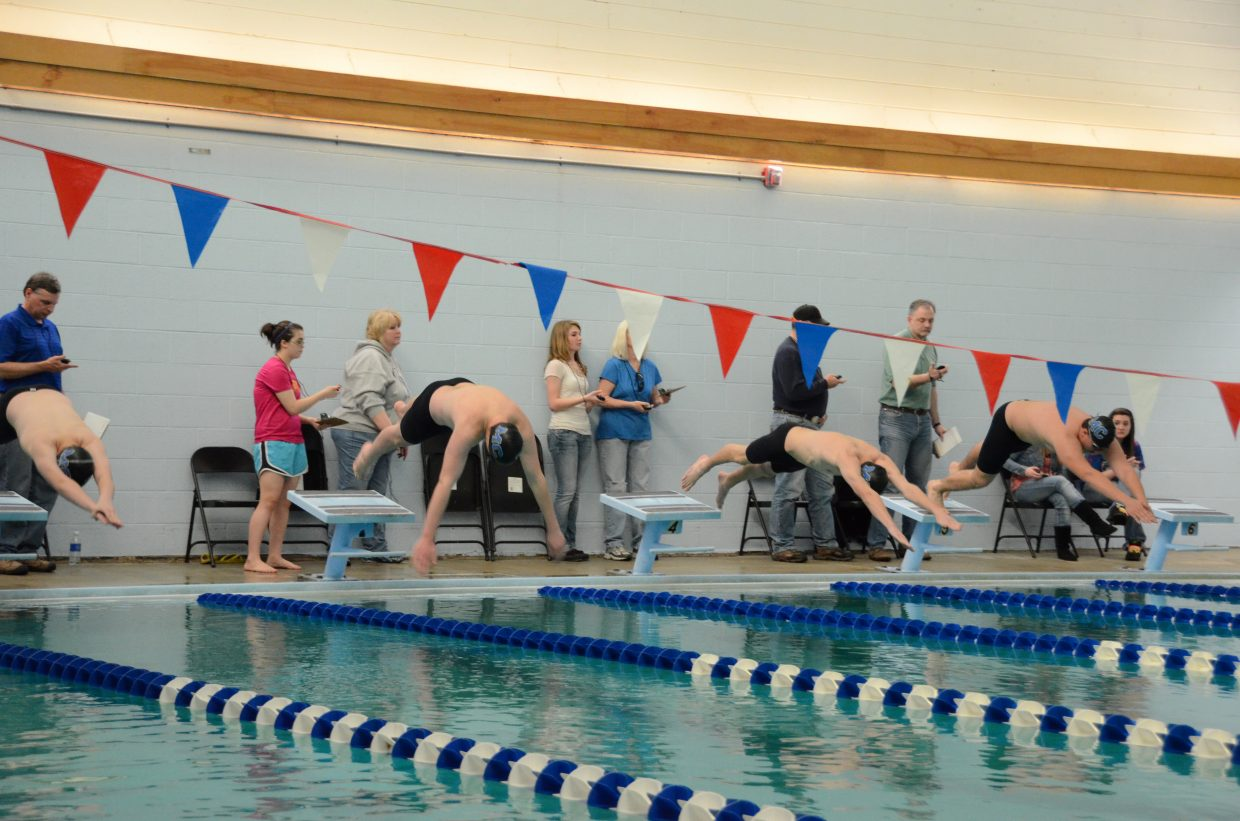 Boys Swim Team Has New And Experienced Swimmers