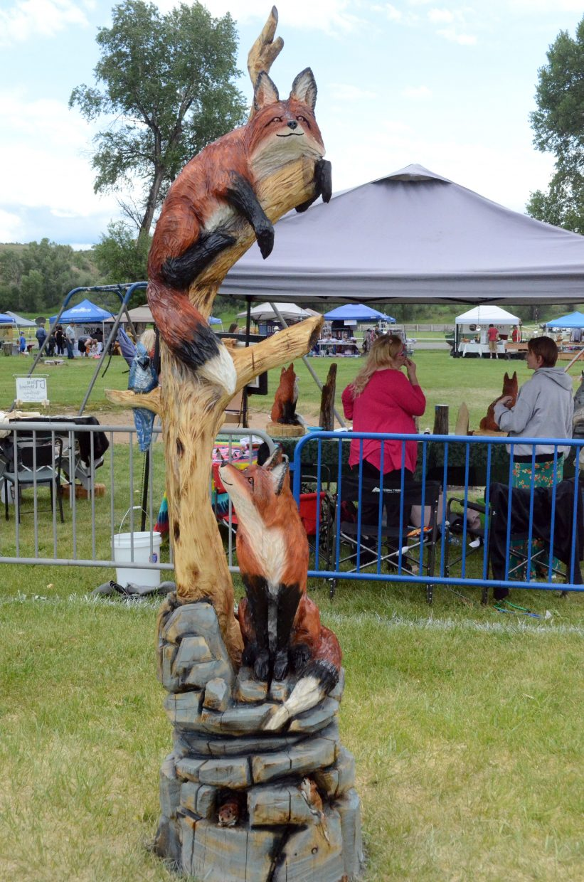 Stump 11 — Final. A pair of foxes are having fun in Robert Waits'