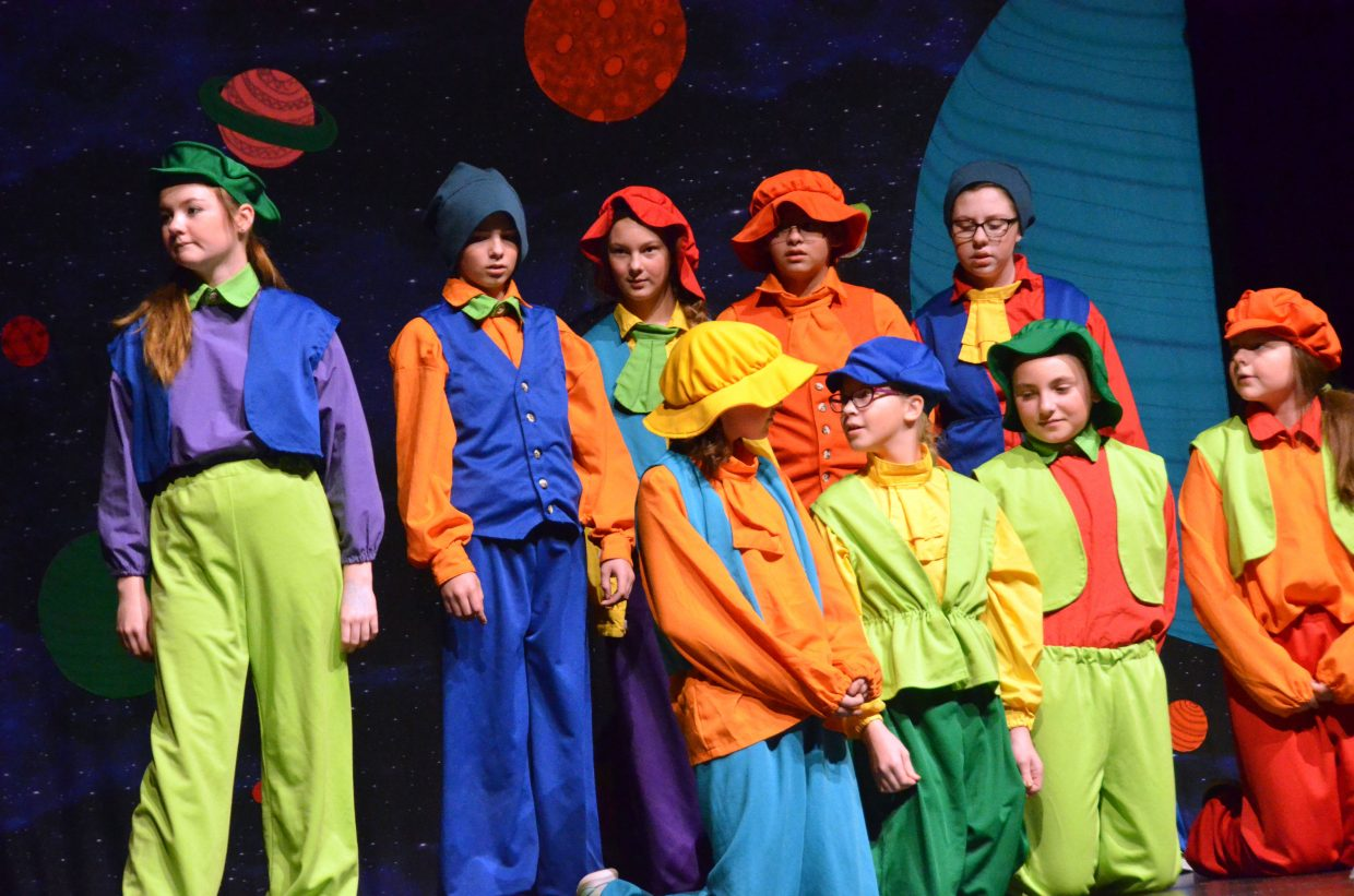 The Yahoos introduce themselves in Missoula Children's Theatre's