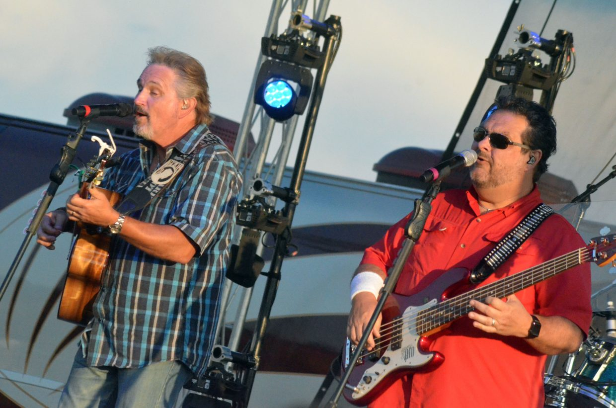Diamond Rio band members Marty Roe, left, and Dana Williams perform