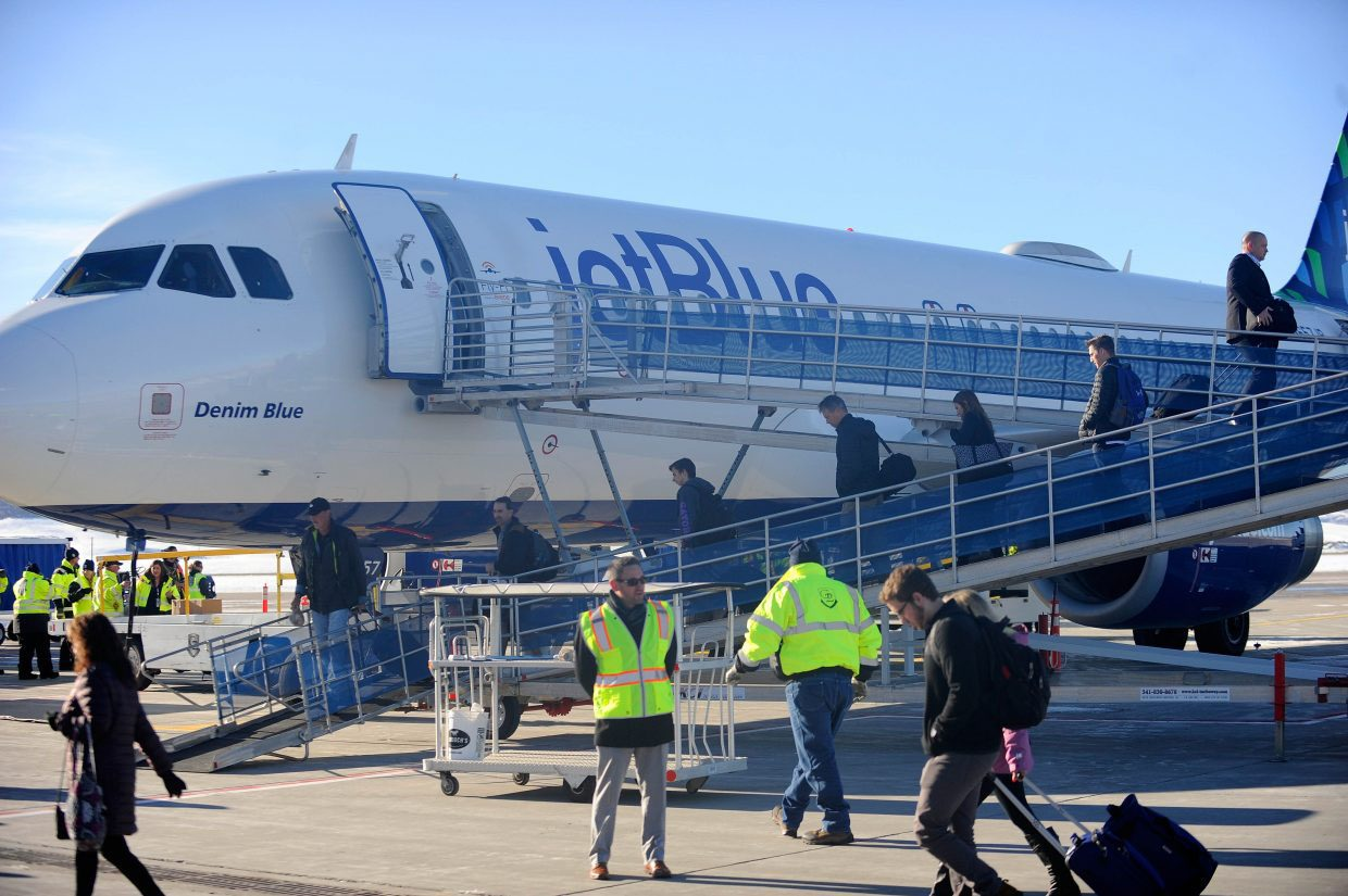 Hayden airport replaces ground operator, completes Atlantic Aviation expansion ahead of busy winter flight season - Craig Daily Press