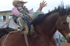 Northwest Colorado rodeo athletes move into final day of state finals