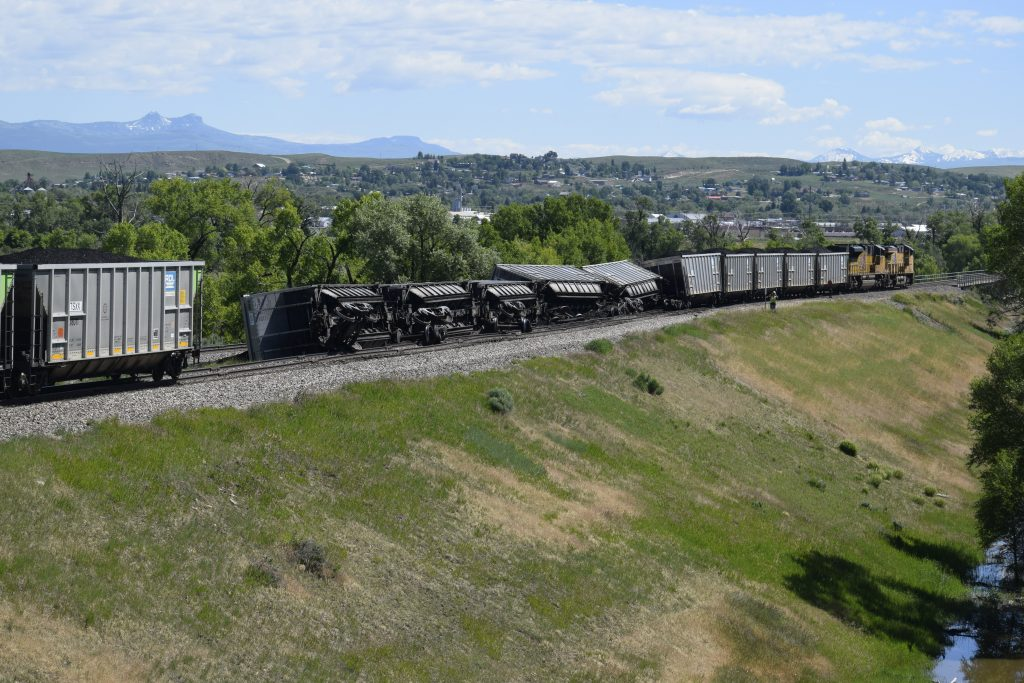 Train cars spill coal in Craig