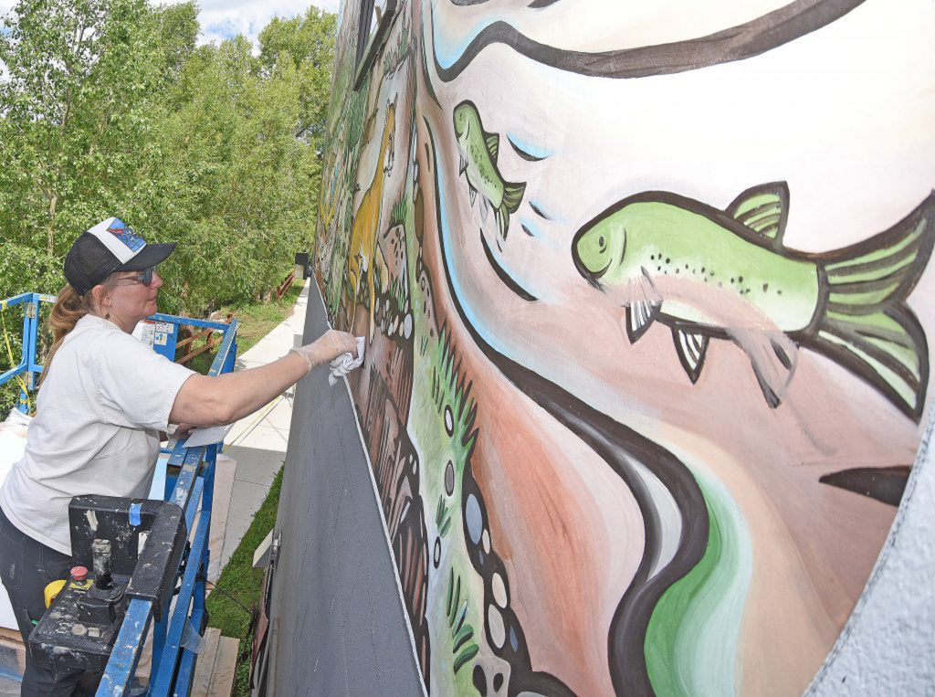Paint with the flow: New 70-foot mural celebrates Yampa River